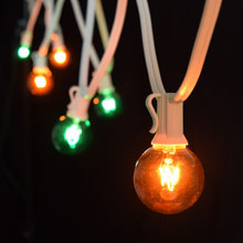 25' C7 White Light Strand - Green/Amber Globe Lights