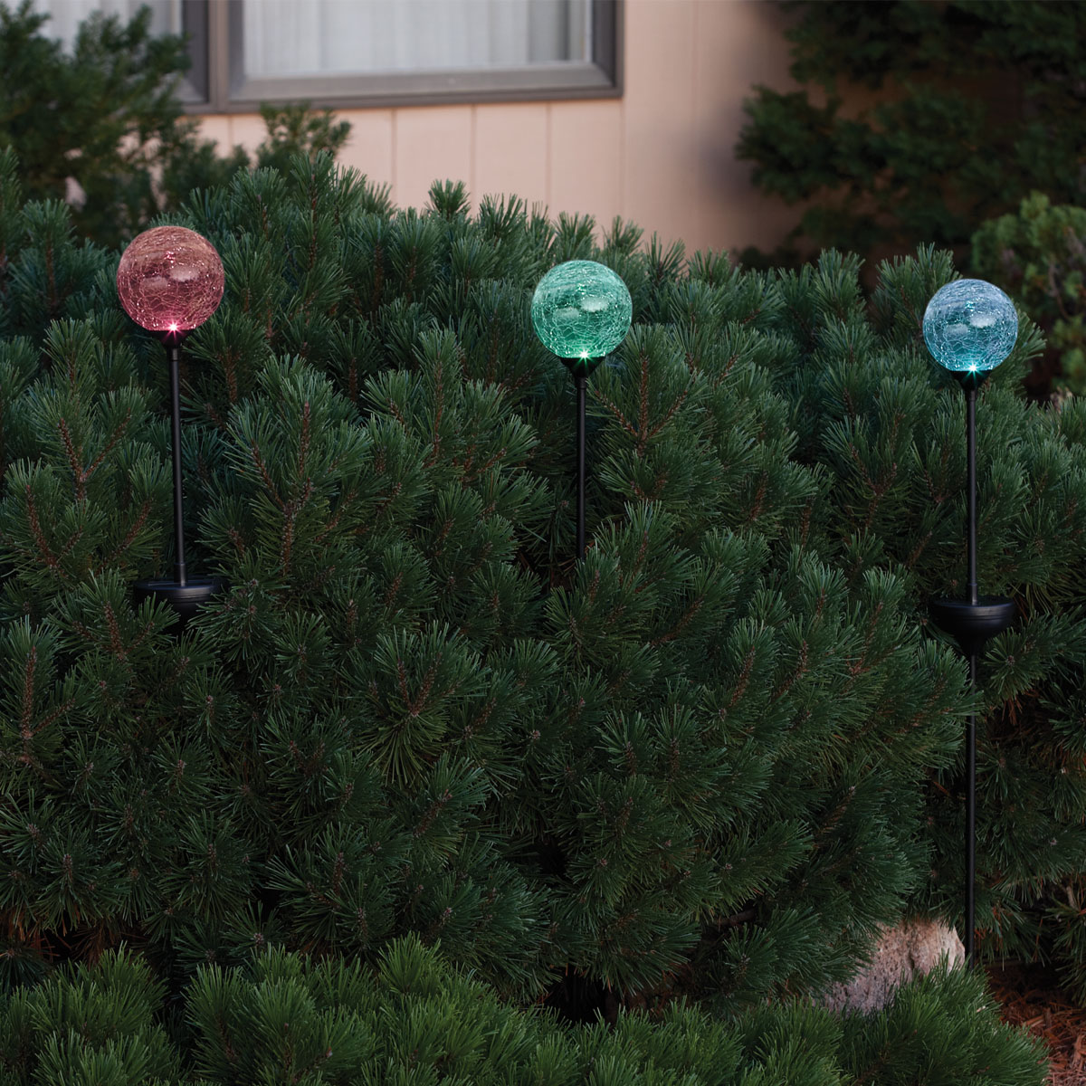 Crackle Globe LED Solar Powered Garden Stake Light